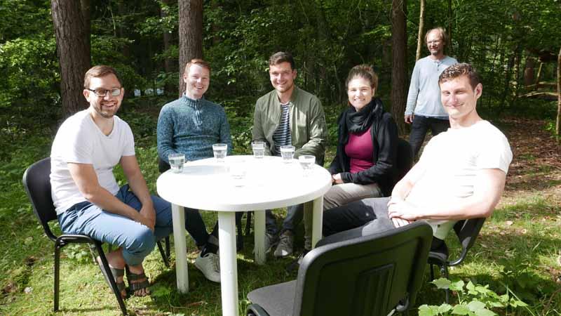 Verein humenta; Diskussionsrunde junger Menschen